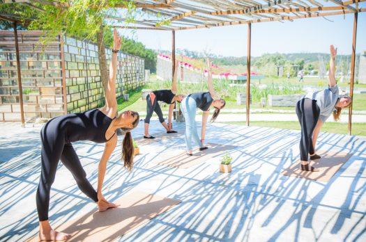 Uma sessão de Yoga no Rio do Prado