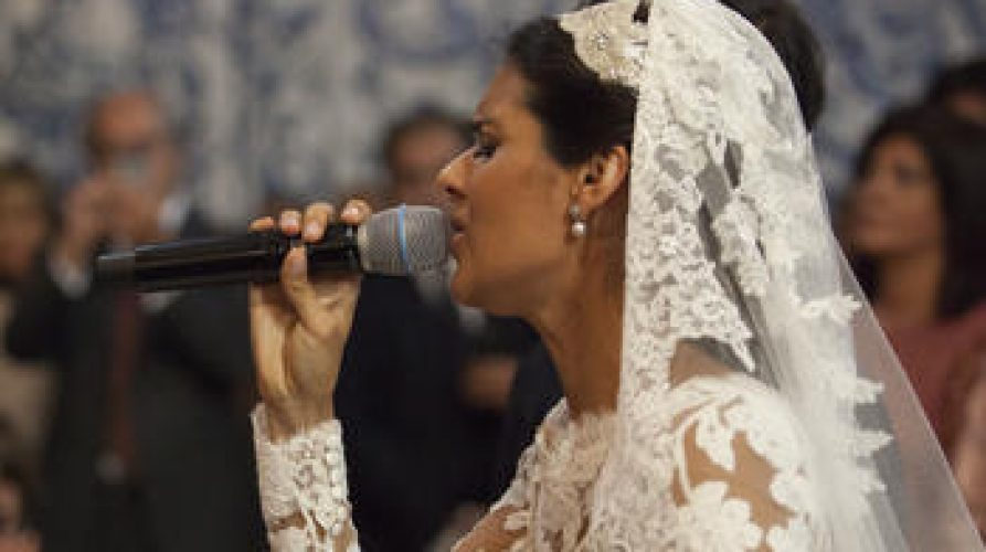 Sim, cantei no meu casamento!